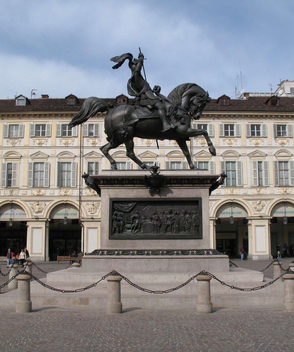 Piazza-San-Carlo-fortuna-travel